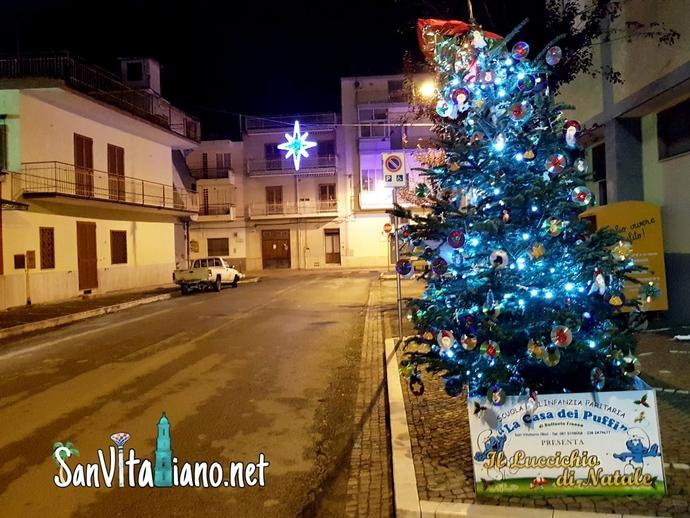 Tutti gli alberi di Natale di San Vitaliano: ecco quello di via Risorgimento by La casa dei Puffi