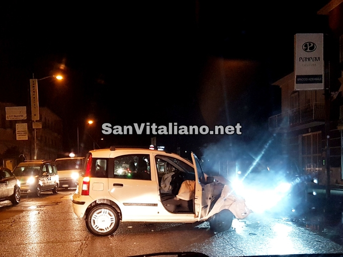 San Vitaliano, brutto incidente in zona Hotel Ferrari: 2 auto coinvolte