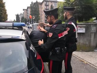 Giovane sorpreso con 7 dosi di cocaina: arrestato dai Carabinieri di San Vitaliano. Ecco i dettagli.