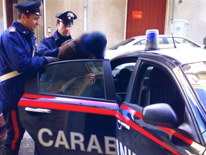 Carabinieri di San Vitaliano, arrestato per estorsione e maltrattamento in famiglia. I dettagli...