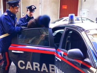 San Vitaliano, ennesimo arresto per maltrattamenti in famiglia: la denuncia degli amici e parenti