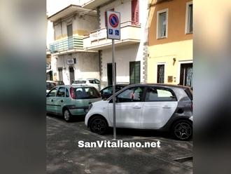 San Vitaliano, parcheggio a cxxxx: Non posso mai prendere mia figlia disabile a scuola perché...