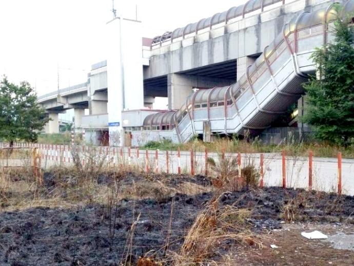 San Vitaliano, incendio in questi minuti in stazione: intervenuti i vigili del fuoco