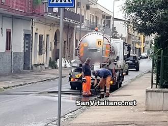San Vitaliano si prepara alle piogge autunnali: al via la pulizia delle caditoie