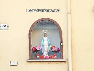 San Vitaliano, fedeli acquistano Madonnina rubata: stavolta è sotto chiave!