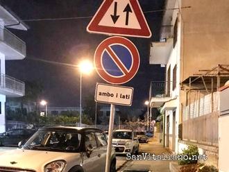 Traffico e parcheggi serali tra via Nazionale e perpendicolari: situazione impossibile