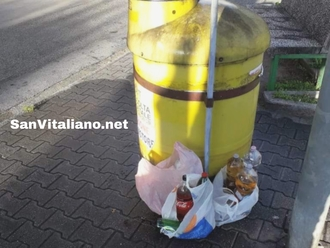 San Vitaliano, rimosso il contenitore olio a Piazza Da Vinci: sospesa temporaneamente raccolta