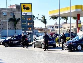 San Vitaliano: operazione antidroga dei Carabinieri, presenti i cani delle unità cinofile
