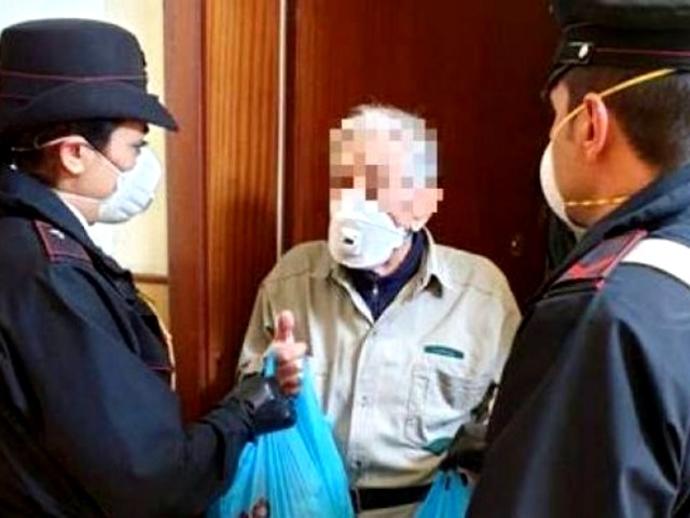 San Vitaliano, entra in caserma a chiedere aiuto: ho fame! Ecco il bellissimo gesto dei Carabinieri