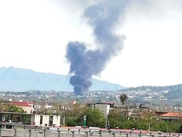 Boato sorprende San Vitaliano nel primo pomeriggio: esplode fabbrica !