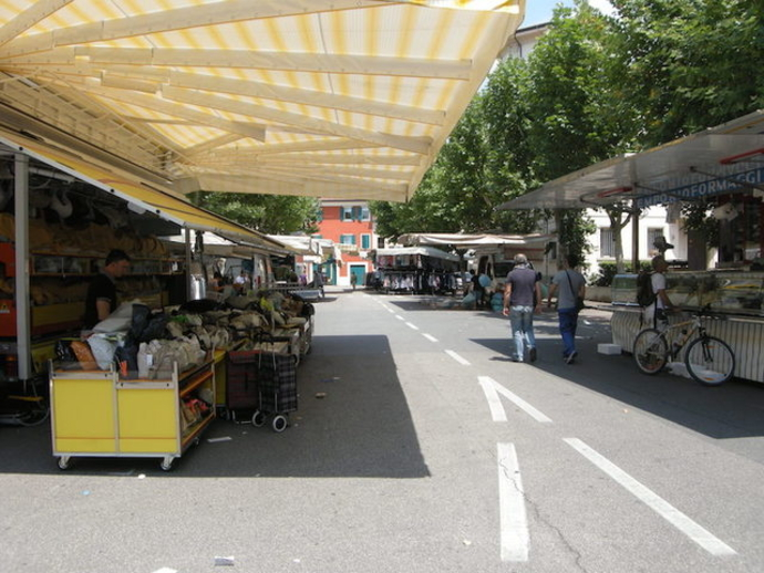 San Vitaliano, dopo lo stop Covid19, riparte oggi il mercato di Piazza Da Vinci