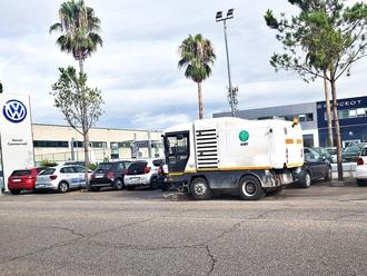 San Vitaliano, stamattina la spazzatrice ( ed operatore a piedi) in azione su Via Nazionale