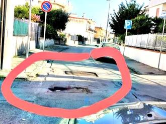 San Vitaliano, via Dante: e se qualcuno ci cade dentro con la moto o con la bici?