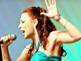 Alla ricerca dei talenti sanvitalianesi: diretta live domani sera con la cantante Ilaria de Cicco