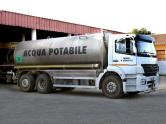 ATTENZIONE, autobotte sostitutiva nella piazza del Comune per mancanza di acqua a San Vitaliano