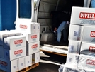 I più mortificati dal Lockdown donano 800 kg di pasta alla Caritas: il cuore dei commercianti