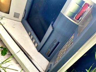 Il Cimitero degli Sportelli Bancomat e delle Casseforti: sequestrata discarica abusiva