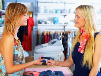 Rubrica Lavoro: Nola, si cerca addetta alle vendite al CIS, settore abbigliamento