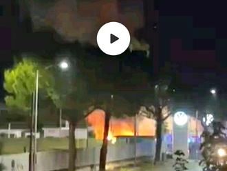 San Vitaliano, incendio presso la concessionaria Autouno