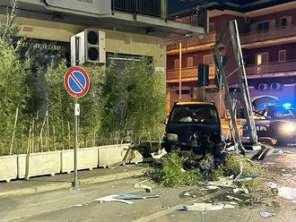 Incidente notturno accende i fari sulla sicurezza stradale di via Nazionale a San Vitaliano