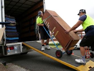 Rubrica lavoro, si cerca profilo per scarico camion part time a Nola